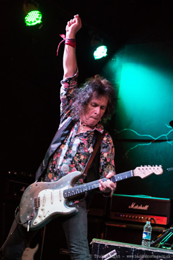 Bernie Tormé - All Day And All Of The Night
